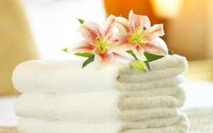 relaxing-spa-towel-and-orchid-1440x900